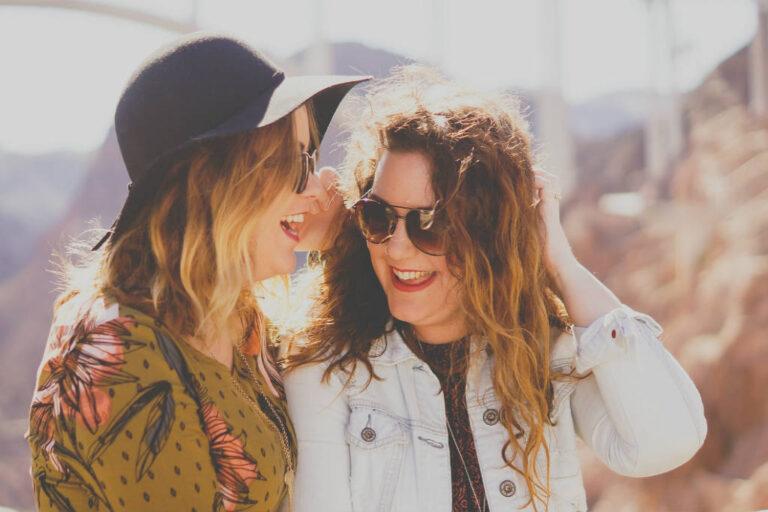 Find solbrillen som kvinde